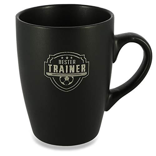 Donari ® - Matt Schwarze Porzellan Tasse mit Gravur und exklusiver Geschenkverpackung Fussballtrainer - Kreatives Fussball Geschenk für Trainer