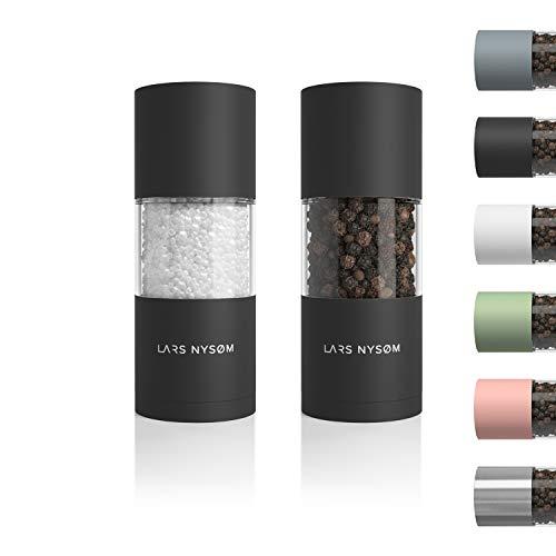 LARS NYSØM Salz und Pfeffer Mühlen Set aus Edelstahl mit einstellbarem Keramik-Mahlwerk 2 Stück I Design Gewürzmühlen Set Manuell (2er Set, Onyx Black)