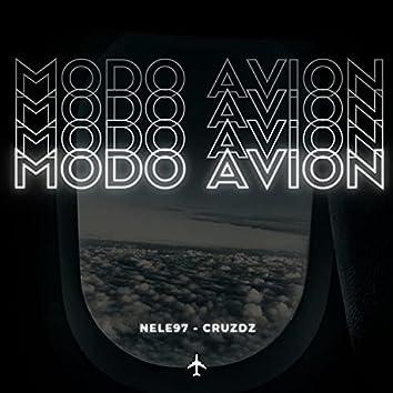 Modo Avion (feat. Cruz Dz)