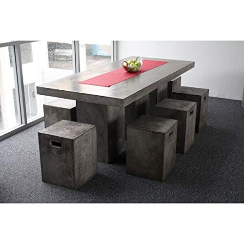 Mathi Design eettafel van massief beton.