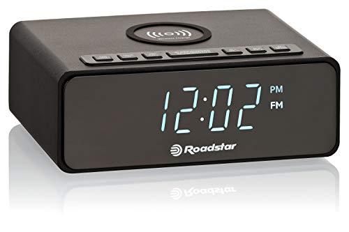 Roadstar CLR-700QI Radiowecker mit LCD-Display, QI für kabelloses Laden Ihrer Geräte, Zwei Weckzeiten und Schlaf Timer, 10 Senderspeicher, Radio-Tuner, schwarz