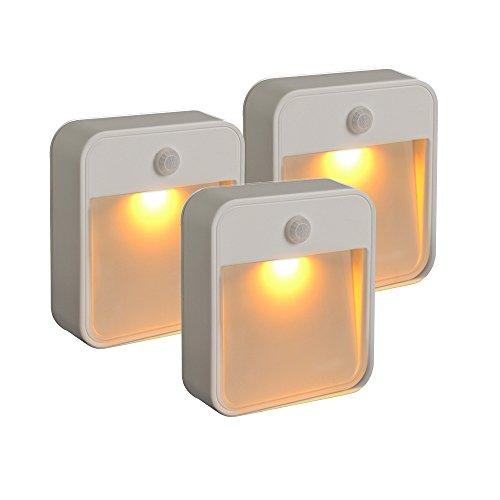 Mr. Beams MB720 slaapvriendelijke batterij-aangedreven bewegingsdetectie-led; plak dit nachtlampje met gele lamp op een willekeurige plaats.