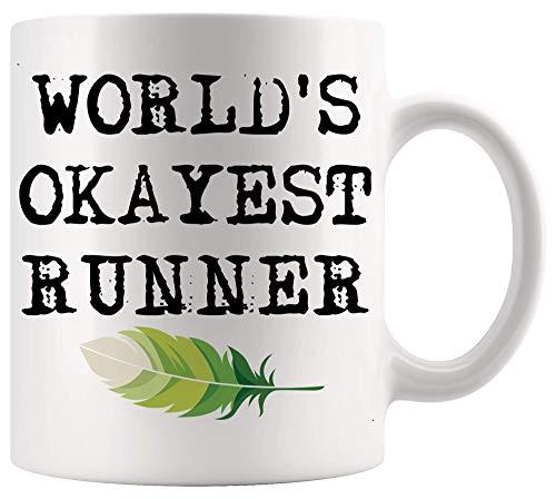 Funny Gag Sarcastic Mug Worlds Okayest Runner Running Run camiseta niñas niños hombres mujeres divertidas tazas blancas tazas