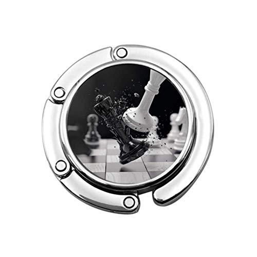 Schachbrett mit Schachfiguren auf schwarzen Mädchen Geldbörse Kleiderbügel Kleiderbügel Einzigartige Designs Faltbereich Lagerung Faltbare Geldbörse Kleiderbügel