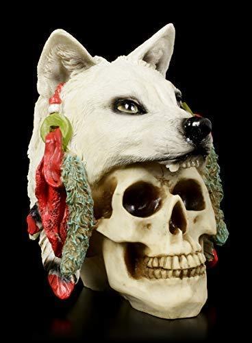 Figuren Shop GmbH Gothic Totenkopf mit Wolfspelz - Spirit Hunter - klein | Fantasy Skull, handbemalt