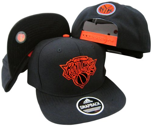 adidas New York Knicks Black Out verstellbar Snapback Hat/Cap