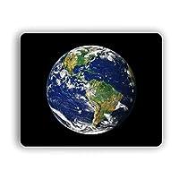 スペースでコンピューターマウスパッドソーラーシステム地球
