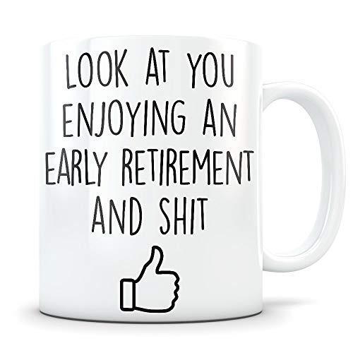 N\A Regalos de jubilación anticipada para Hombres y Mujeres Taza de café Feliz y jubilada Felicitaciones Taza Divertida de jubilación de mordaza para Alguien Que se jubila
