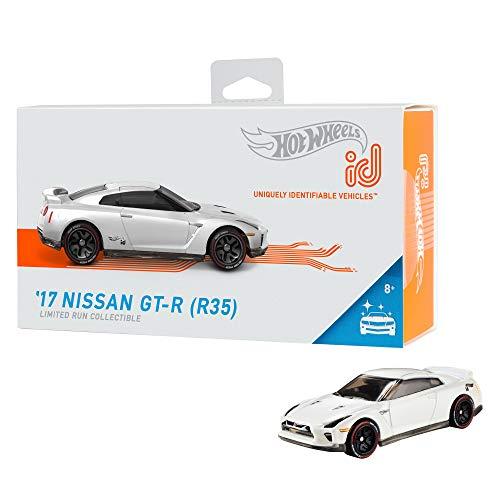 Hot Wheels- ID Die-Cast 17 Nissan GTR R35 Scala 1:64, Macchinina Giocattolo per Bambini 8 + Anni, FXB13