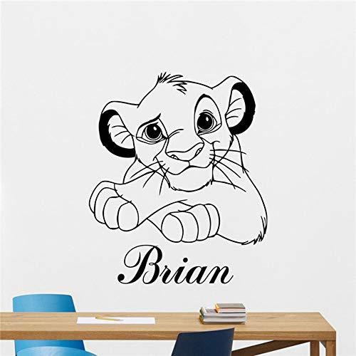Etiqueta de la pared del Rey León Nombre personalizado Dibujos animados Etiqueta de vinilo Simba Nursery Decoración de la pared Niños Habitación del bebé Arte Pared Niños