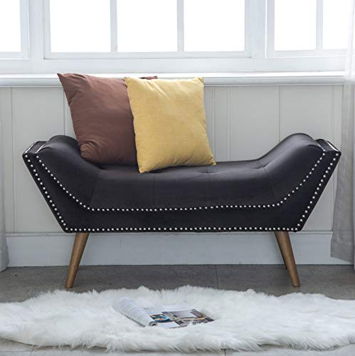Tufted-Upholstered-Bedroom-Bench-in-Boat-Shape