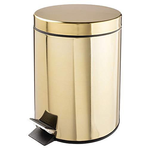 mDesign Tretmülleimer – 5 L Mülleimer aus Metall mit Pedal, Deckel und Kunststoffeinsatz – perfekt als Kosmetikeimer oder Papierkorb für Bad, Küche, Büro etc. – messingfarben