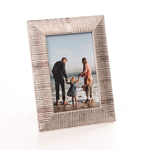 Victoria Collection Marco de fotos clásico de madera – Arena – Marco de fotos acanalado para fotos   Marco de fotos de pie adecuado para escritorio y pared   Plateado 4x6 / 10x15 cm