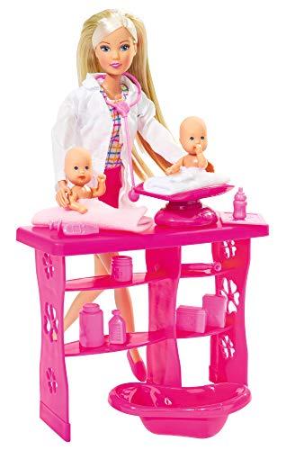 Simba 105732608 - Steffi Love Baby Doctor / Kinderärztin / mit 2 Babys / Behandlungstisch / Zubehör / Ankleidepuppe / 29cm, für Kinder ab 3 Jahren