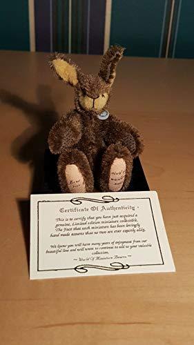Kingdom Collectibles World of Miniature Bears- Brer by Eleonore Unkel-Schaufelin