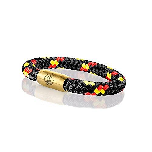 Männer Armband Deutschland Fussball WM aus echtem Segeltau geflochten 8 mm schwarz-rot-gold mit coolem Magnetverschluss aus Edelstahl. 21 cm lang