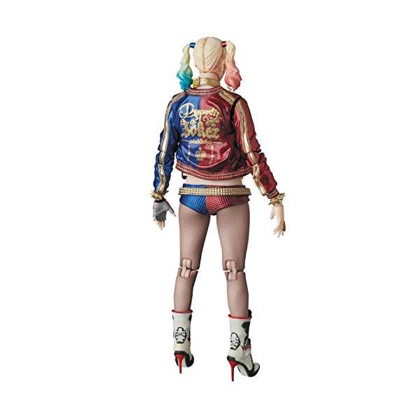 MAFEX Harley Quinn (reproducción) 2