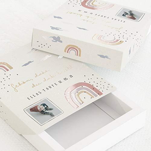 sendmoments Gastgeschenk Schachtel für Taufe, Bilderschachtel Regenbogen, 5er-Boxen-Set mit Relieflack, personalisierte Box 112 x 130 mm mit eigenem Bild und Text, individuelles Geschenk für Gäste