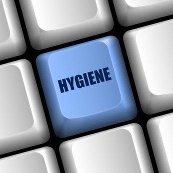 Desinfektionsreiniger Wellness/Spa 1L zur Reinigung und gleichzeitigen Desinfektion zur Reinigung und Desinfektion besonders für Solarium Sauna-, Yogamatten-, Fitnessgeräte-, Massageliegenreiniger - 9