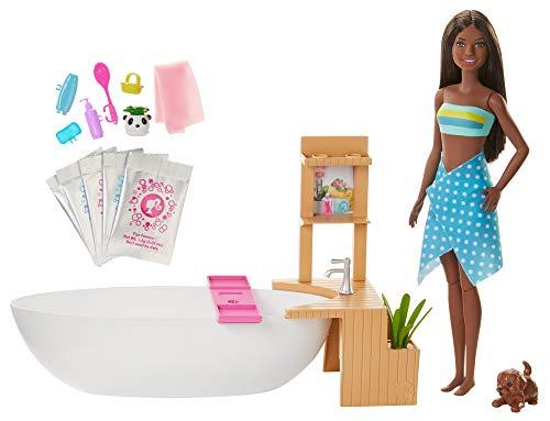 Barbie GJN33 - Wellnesstag Puppe (brünett) und Spielset, mit Badewanne, Hündchen und weiteren Zuebhörteilen, Spielzeug ab 3 Jahren
