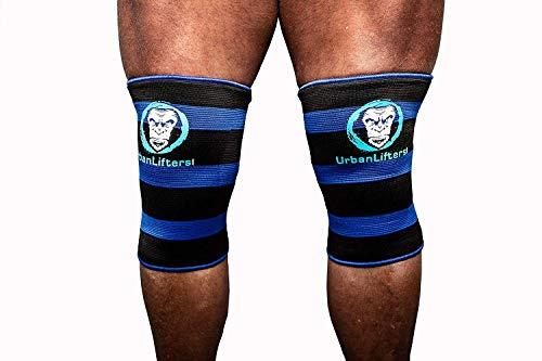 Maniche al ginocchio Double Ply Premium che portano il tuo sollevamento al livello successivo. Offre un'eccellente compressione, calore e sostegno al ginocchio, nel contempo stimolando la circolazione sanguigna nella zona di utilizzo. Stimola il flus...