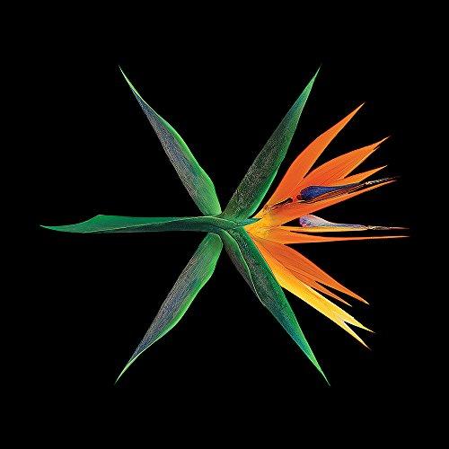 EXO - The War (Vol.4) [CHINESE / Random Ver.] CD+Photobook+Photocard+Folded Poster+Free Gift