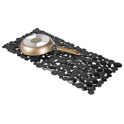 mDesign Alfombrillas antideslizantes para recortar – Base para fregadero grande con diseño de pompas de jabón – Tapetes protectores de PVC para la vajilla y el fregadero – negro