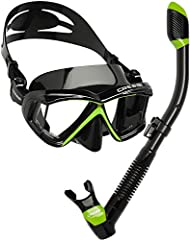 A great equipment ready to use to enjoy snorkeling or scuba diving without any trouble. The panoramic masks have been designed to give you great visibility, fit, durability and comfort. Mask made of hypoallergenic soft silicone to ensure a perfect se...