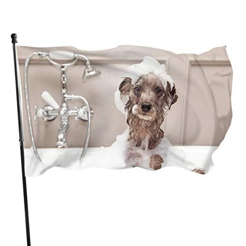 Zemivs Hund nehmen eine Dusche mit Seife und Wasser, die Flaggen verzieren Flagge Schlafzimmer Dekor 3x5 Fuß vibrierende Farben Qualität Polyester und Messing Ösen
