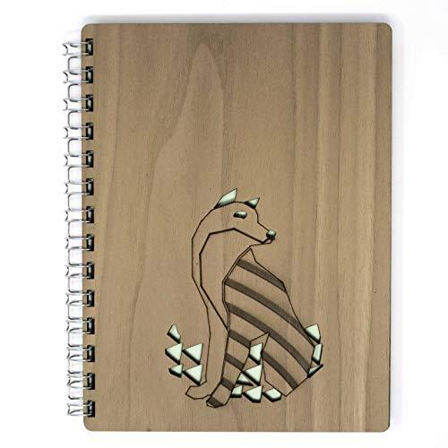 Wood Note_A5_cubierta de madera esencia nogal_dibujo lobo