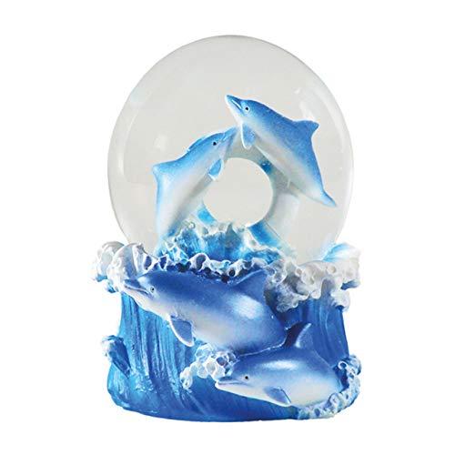 Water Globe - Delfin von Deluxebase. Delfin Schneekugel mit Harzfigur und geformter Basis. Tolle Wohndekoration, Ornamente und Geschenke.