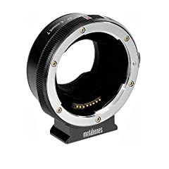 Rubber gasket protects E-mount connection from dust and moisture / Compatible with Sony FS7 Mark II camera Status notification LED light / Dedicated switch controls in-body image stabilization (IBIS) Fast contrast-detect AF on all E-mount cameras / P...