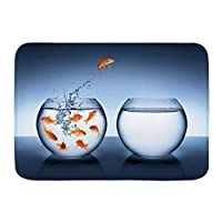 VAMIX バスマット 風呂マット 小さな勇敢な金魚が1つの金魚鉢を別の勇気の向上にジャンプ 足拭きマット 吸水 速乾 滑り止め 浴室 洗面所 脱衣所 風呂 台所 キッチン玄関マット(45x75cm)