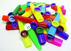 Kazoo van kunststof (in folie verpakt).