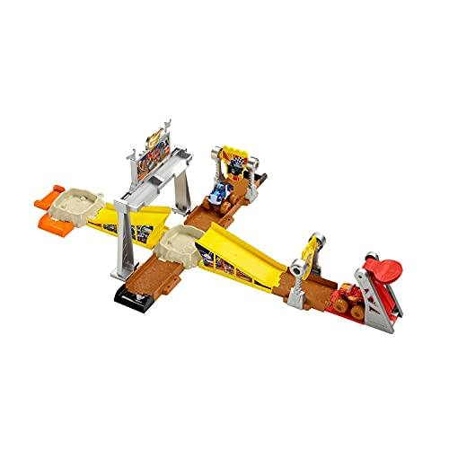 Fisher-Price Blaze and the Monster Machines Mud Pit Race Track, vehicle playset with mud slime for...