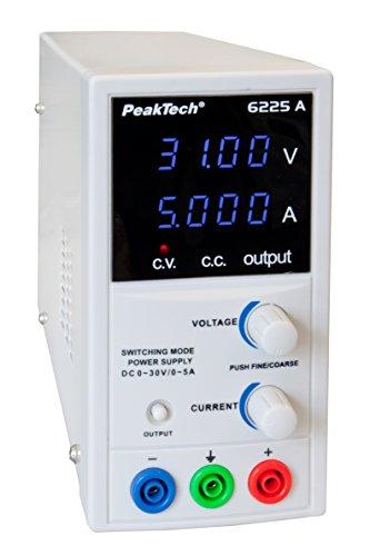 PeakTech 6225 A – Fuente de alimentación 0-30V / 0-5A, ajustable, DC con pantalla LED de 4 dígitos, conmutación estabilizada, amperímetro, sobrecarga y prueba de cortocircuito, diseño estrecho