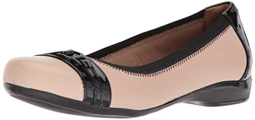 Clarks Women's Kinzie Light Loafer Flat, Cream Leather/Synthetic Patent, 8.5 Medium US