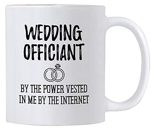 Casitika - Divertido regalo para oficial de boda. Taza de café de cerámica de 325 ml. Por la potencia que se ha invertido en mí por Internet. Ideas para regalos de broma.