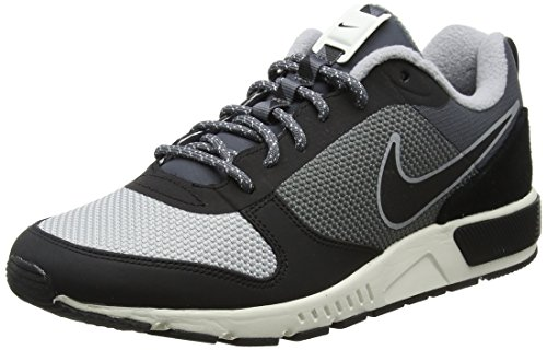 Nike Nightgazer Trail, Zapatillas de Gimnasia Hombre, Gris (Dark Greyblacksail 003), 43 EU