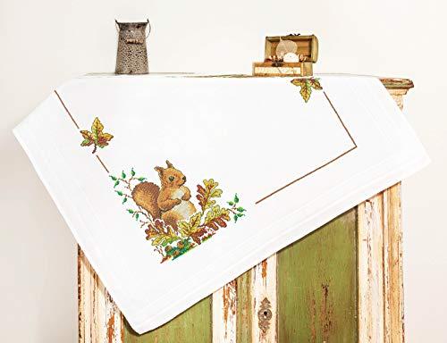 Kamaca Stickpackung Tischdecke EICHHÖRNCHEN Kreuzstich vorgezeichnet aus Baumwolle Stickset mit Stickvorlage (Mitteldecke 80x80 cm)