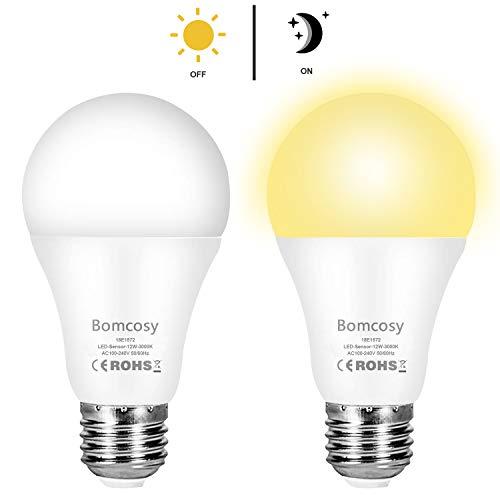 Lampadina con Sensore Crepuscolare 12W E27 100Lm Lampadina Crepuscolare LED con Sensore Luce Notturna Automatico Bianco Caldo 3000K per Veranda Corridoio Patio 2 Pezzis
