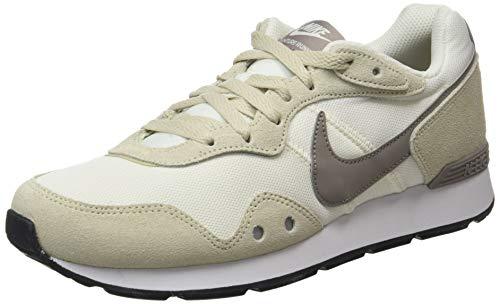 Nike Venture Runner, Zapatillas Hombre, Fossil/Enigma Stone/Sail/White, 44.5 EU