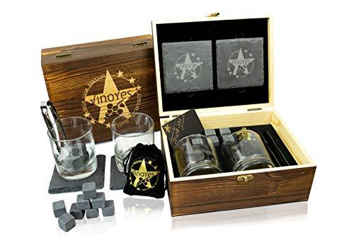 VinoYes Whisky Gläser Set (320 Gram je Glas) in Einer edlen Holzkiste, 2 Whiskey Gläser, 8 Whisky Steine mit Beutel, 2 edle Untersetzer in Schiefer Optik. Ihr perfektes Whiskey Geschenkset.