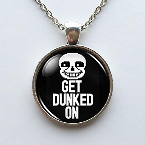 Collar moderno para hombre con el personaje Sans de Undertale y el texto en inglés «Get Dunked On», collar plateado de latón para gamers, colgante de estilo steampunk, joya para regalo