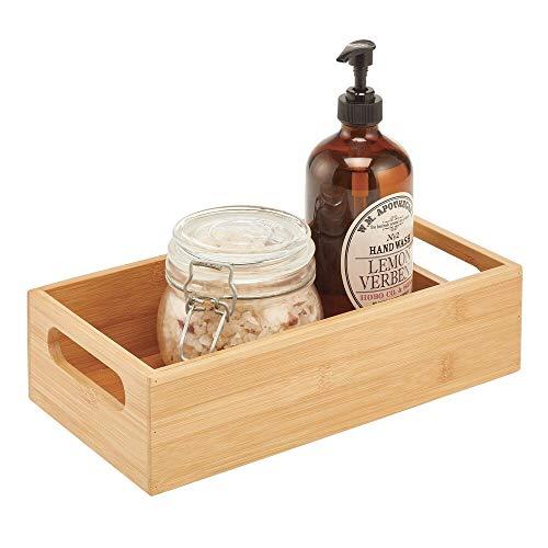 mDesign Aufbewahrungsbox mit Griffen – praktische Holzbox zur Aufbewahrung – für Shampoo, Cremes und weitere Kosmetikprodukte – offene Ablage aus Bambusholz fürs Bad – naturfarben