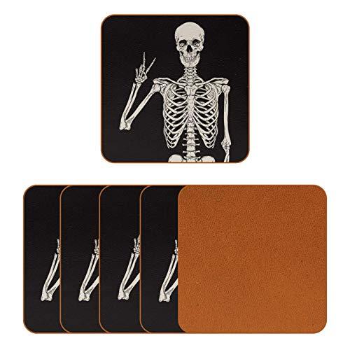 Posavasos de cuero para bebidas, diseño de esqueleto humano con impresión de posar taza cuadrada para proteger muebles, resistente al calor, decoración de bar de cocina, juego de 6