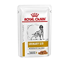A complete dietetic feed for dogs formulated to dissolve struvite stones and reduce their recurrence through its urine acidifying properties, a low level of magnesium and a restricted level of protein, but of high quality.