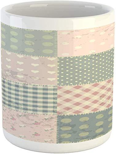 Taza abstracta, patrón de retales vintage en estilo grunge étnico colores apagados, taza de café de cerámica para bebidas de agua, té, 11 onzas, multicolor