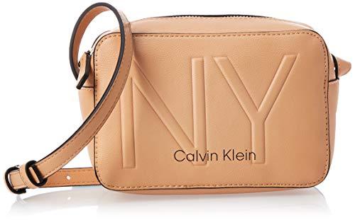 Calvin Klein Damen Ck Must Psp20 Camerabag Ny Umhängetasche, Beige (Dark Sand), 0.1x0.1x0.1 centimeters