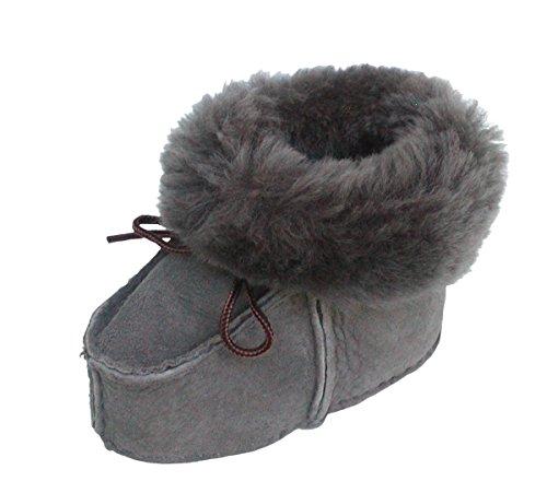 warme Lammfell Babyschuhe grau mit Fellkragen und Kordel, Gerbung ohne schädliche Stoffe, Gr. 21-22
